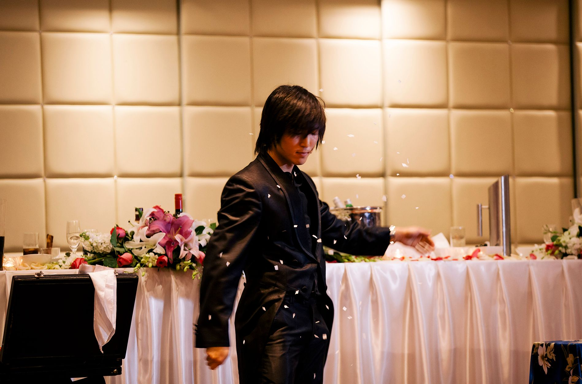 Neo | Hire a Magician Sydney For Wedding Entertainment (Banner)